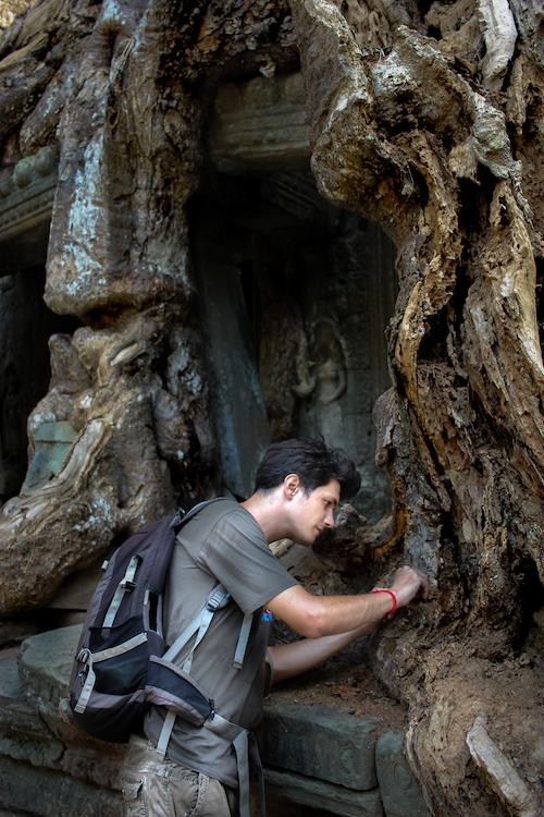 Pierre-Olivier Maquart, chercheur de l'Institut Pasteur du Cambodge à AngkorWat